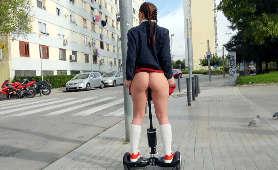 Hiszpanka w podkolanówkach i spódniczce z ukrytym wibratorem publicznie - Pamela Sanchez, Sex Hd