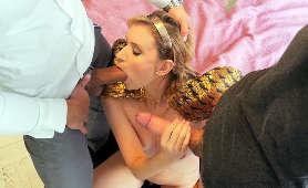 Porno czeskiej dupodajki z dwoma facetami - Angel Piaff, 1 Kobieta 2 Meżczyzn