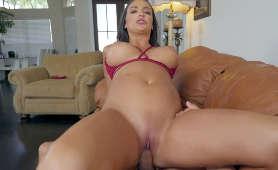 Filmiki porno laski w niesamowicie zdzirowatym czerwonym bikini - Sofi Ryan, Sex Hd