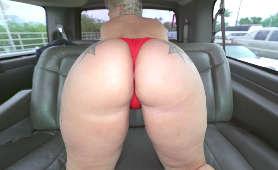 Wielki tyłek pieszczony w autobusie - Ashley Barbie, Sex Hd