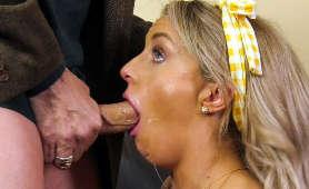 Gorąca panna młoda robi mistrzowskiego loda - Kate Kennedy, Sex Oralny