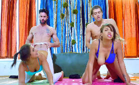 Zerżnięte przez dwóch instruktorów jogi - Abella Danger, Cassidy Banks, Sex Hd
