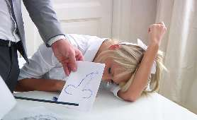 Studentka jebana przez swojego profesora w klasie - Ivana Sugar, Rosjanka