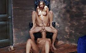 Filmy xxx namówiła parę kochanków na zabawę w trójkącie - Desiree Dulce, Misty Stone, Sex Hd