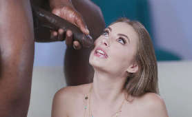 Wytrysk spermy z długiego czarnego penisa na twarz nastolatki - Kyler Quinn, Czarny Kutas