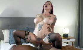 Seks międzyrasowy laski w pończochach, która jeździ na wielkim czarnym kutasie - Anna Bell Peaks, Sex Pary