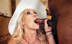 Sex filmy mamuśki w kapelszu z czarnym kutasem w ustach - Christina Shine, Sex Oralny