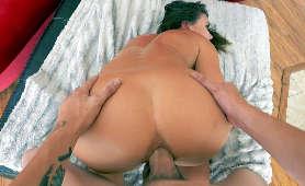 Tyłek brunetki wiercony od tyłu - Adriana Chechik, Sex Na Pieska