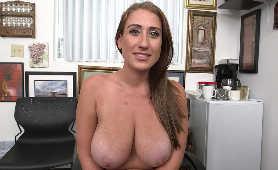 Ostre Porno - Skyler Luv, Miętolenie Dużych Cycków