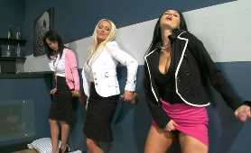 Filmy Porno Za Darmo W Hd - Ava Addams, Diana Doll, Franceska Jaimes, Nikki Delano, Glory Hole