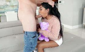 Filmy porno z nastolatką pieprzoną w usta - Binky Beaz, Sex Oralny