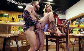 Sex na stojąco w miejscu publicznym - Alexis Fawx, Pieprzenie Cipki