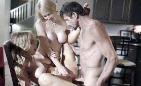 Seks na krześle - Sarah Vandella, River Fox, Tommy Gunn, Mamuśka Ruchająca Nastolatka
