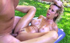 Film Erotyk - Alexis Fawx, Naoliwiona