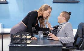 Film erotyczny z napaloną laską - Nicole Aniston, Długie Włosy