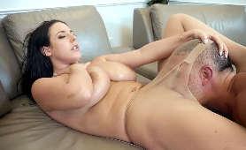 Robi jej dobrze ustami - Angela White, Sex Hd