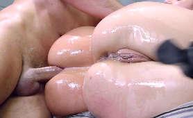 Wyruchana naolwiona dupa - Anikka Albrite, Jada Stevens, 2 Kobiety 1 Meżczyzna